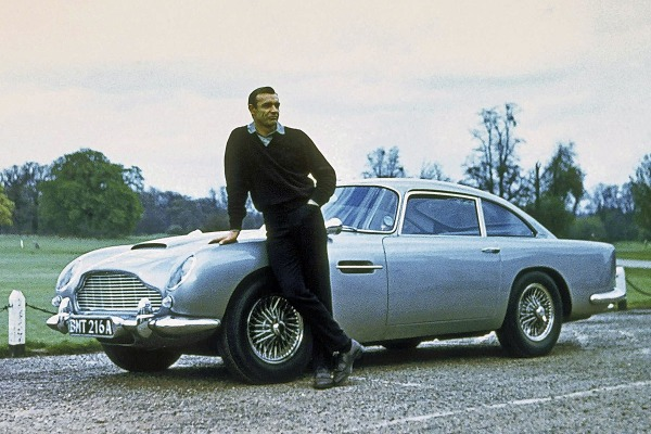 Aston-Martin-DB5-James-Bond-007-Sean-Connery-Goldfinger-1200x800-0a2fb8c0f7bdf165