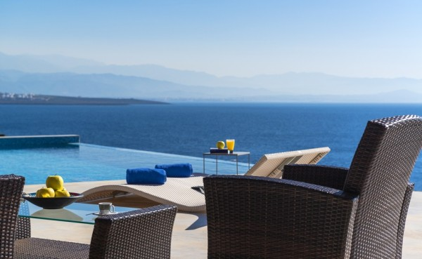 Amazing-relaxing-views-from-the-pool