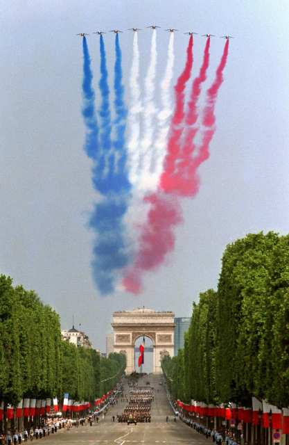 "PAR05:FRANCE-PARADE;PARIS,14JUL97 - The ""Patrouille de France"" aerobatic team, fly the French colors as they open the traditional Bastille day military parade on the Champs Elysees July 14. French President Jacques Chirac stated today he would insure the armed forces received the resources they needed after the Socialists moved for possible budget cuts to the military. gw/Photo by Jack Dabaghian REUTERS"