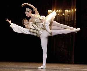 "Liudmila Konovalova and Vladimir Shishov perform during the dress rehearsal of the ballet ""Nutcracker"" at the Wiener Staatsoper state opera on October 2, 2012 in Vienna. The director of the opera house's ballet, former French dancer Manuel Legris, and his company presented the premiere of the play in the choreography of Rudolf Nureyev on October 8, 2012. AFP PHOTO/DIETER NAGL"