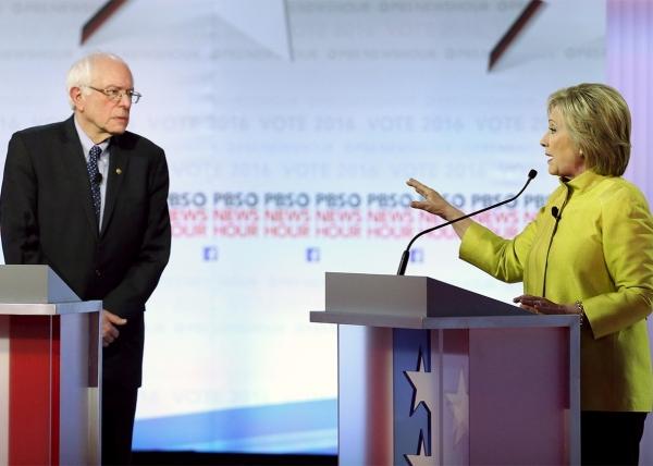 160211_POL_Dem-Debate-Bernie-Hillary.jpg.CROP.promo-xlarge2